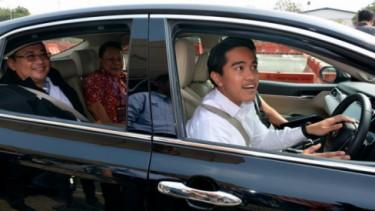 Momen Kaesang test Camry Hybrid