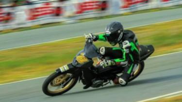 Pembalap Dhandy Latif