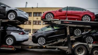 Ilustrasi pengiriman Tesla Model 3
