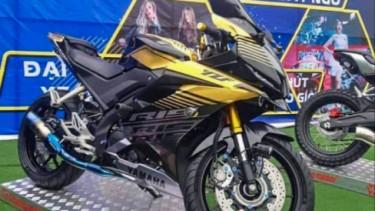 Yamaha R15 hedon asal Vietnam