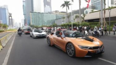 Konvoi mobil listrik menuju Formula E Jakarta
