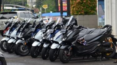 Deretan Honda Forza 250 dan Yamaha XMAX