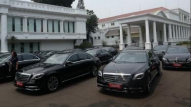 Mercedes-Benz tamu negara di Istana