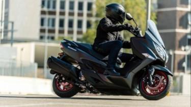 Suzuki Burgman 400 edisi 2020.