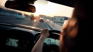 Ilustrasi Menyetir Mobil