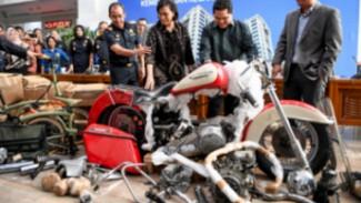 Harley Davidson yang diselundupkan di pesawat Garuda