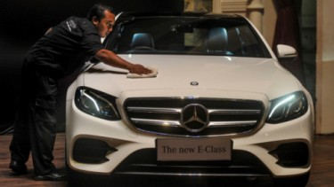 Ilustrasi Mercedes-Benz E-Class milik Ello hadiah MeMiles