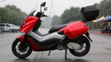 Motor kloningan Yamaha NMAX.