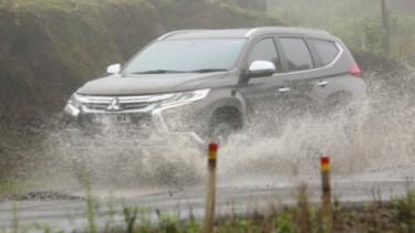 Mitsubishi Pajero Sport, ilustrasi musim hujan