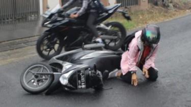 Jatuh dari Sepeda Motor