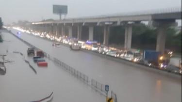 Banjir di Tol