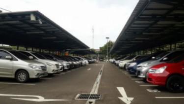 Parkir di Bandara