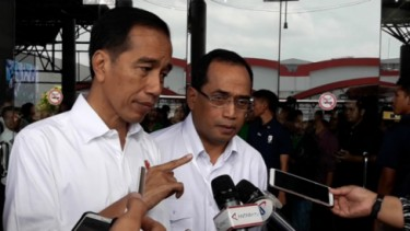 Jokowi dan Menhub Budi Karya
