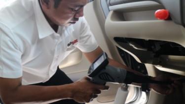 Servis AC mobil cara canggih