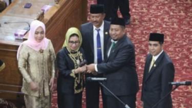 Ketua DPRD Kutai Timur istri dari Bupati Kutai Timur Ismunandar