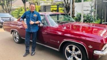 Bambang Soesatyo dengan Impala miliknya