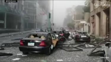 Mobil hancur di ledakan Lebanon