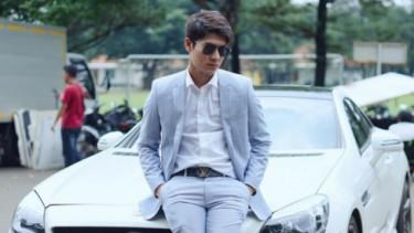 Rizky Billar dengan Mercedes-Benz SLK