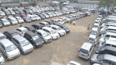 Gudang pelelangan mobil bekas milik PT Auksi