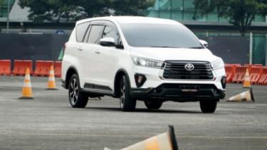Toyota Innova Baru