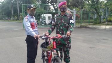 Kolonel Marinir AL korban begal sepeda