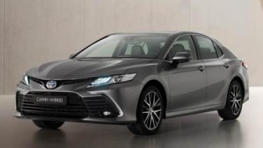 Toyota Camry bakal hadir versi facelift di 2021