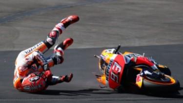 Marc Marquez jatuh dari motor