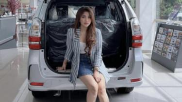 Sales mobil Daihatsu di Jakarta