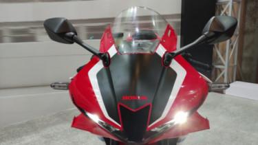 Tampangnya Mirip Moge, Motor Sport Gagah Ini Cuma Dijual ...