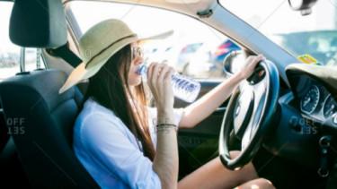 Tips mengendarai mobil biar gak aus di bulan puasa