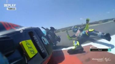 Rossi Jatuh di MotoGP Portugal. Foto: Motorsport.