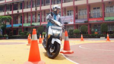 Belajar sepeda motor matik
