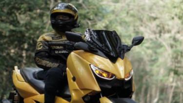 Desy Cahyaningrum bikers Xmax 250