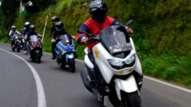 Touring nmax